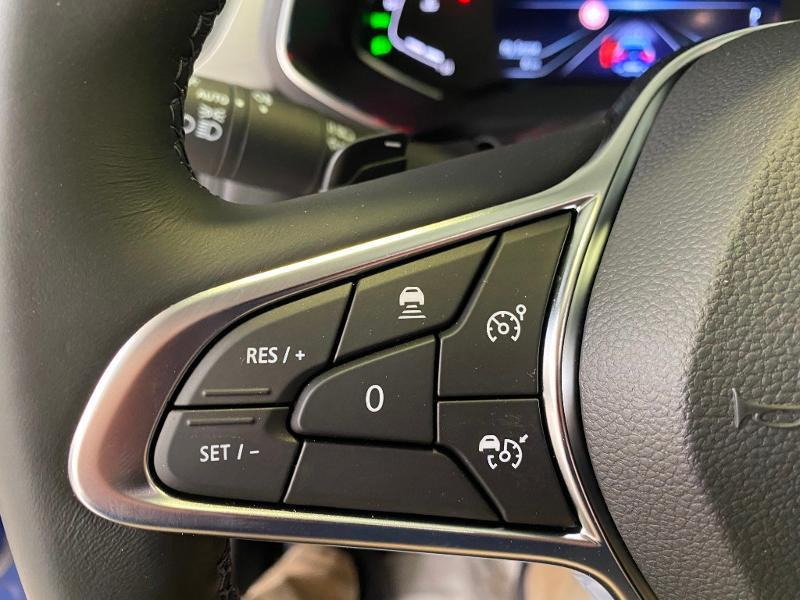 Photo 14 de l'offre de RENAULT Captur 1.3 TCe 140ch Intens EDC à 24990€ chez Duval Automobiles