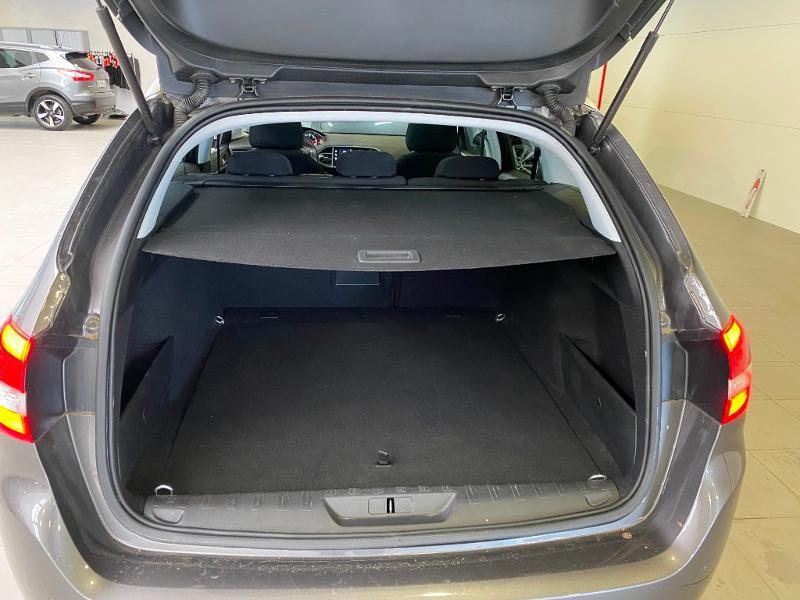 Photo 18 de l'offre de PEUGEOT 308 SW 1.5 BlueHDi 130ch S&S Style 7cv à 20890€ chez Duval Automobiles