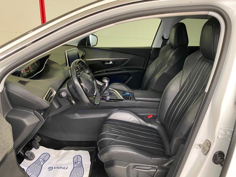 Photo 5 de l'offre de PEUGEOT 3008 1.2 PureTech 130ch Allure S&S à 17890€ chez Duval Automobiles