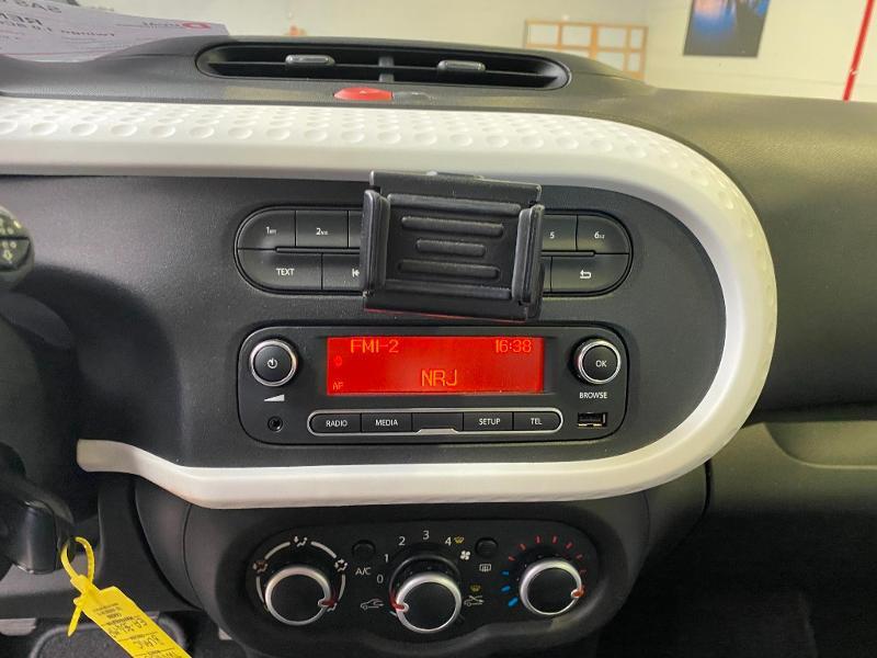 Photo 10 de l'offre de RENAULT Twingo 1.0 SCe 70ch Zen Euro6 à 7990€ chez Duval Automobiles