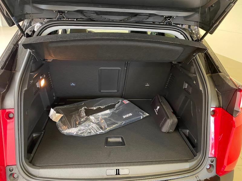 Photo 21 de l'offre de PEUGEOT 3008 1.5 BlueHDi 130ch S&S Allure EAT8 + toit ouvrant à 33490€ chez Duval Automobiles