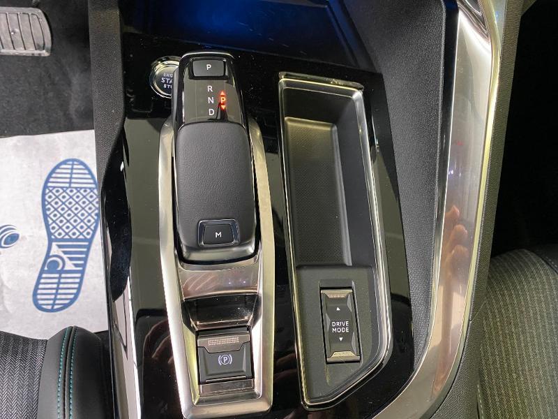 Photo 9 de l'offre de PEUGEOT 3008 1.5 BlueHDi 130ch S&S Allure EAT8 + toit ouvrant à 33290€ chez Duval Automobiles