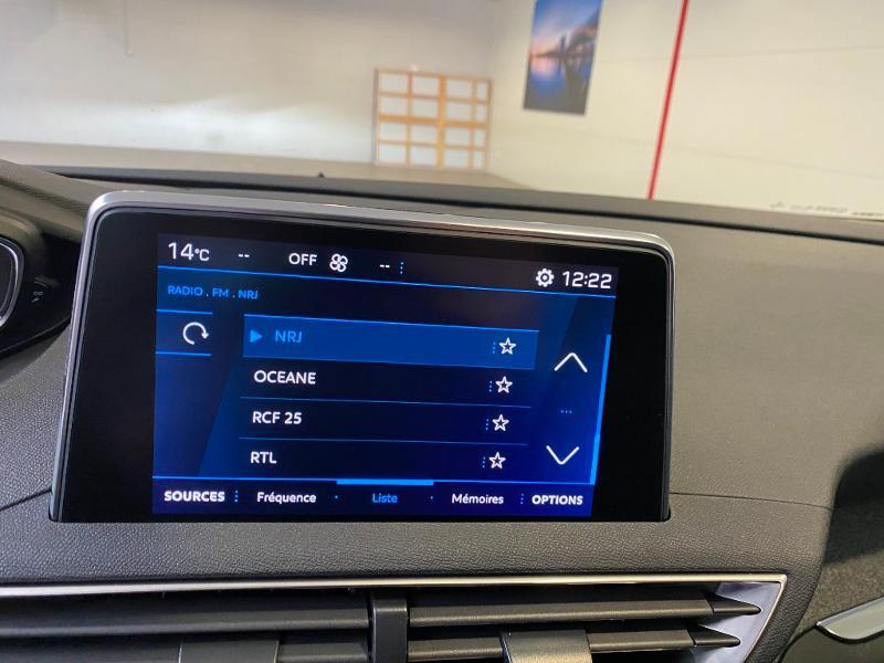 Photo 13 de l'offre de PEUGEOT 3008 1.5 BlueHDi 130ch S&S Allure EAT8 + toit ouvrant à 33290€ chez Duval Automobiles