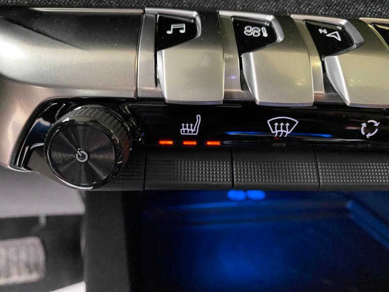 Photo 16 de l'offre de PEUGEOT 3008 1.5 BlueHDi 130ch S&S Allure EAT8 + toit ouvrant à 33490€ chez Duval Automobiles