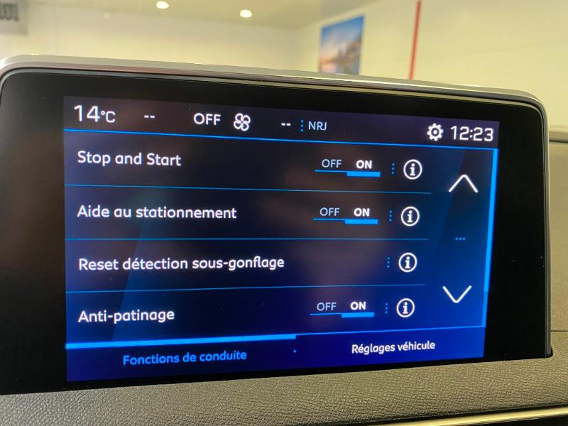 Photo 17 de l'offre de PEUGEOT 3008 1.5 BlueHDi 130ch S&S Allure EAT8 + toit ouvrant à 33290€ chez Duval Automobiles