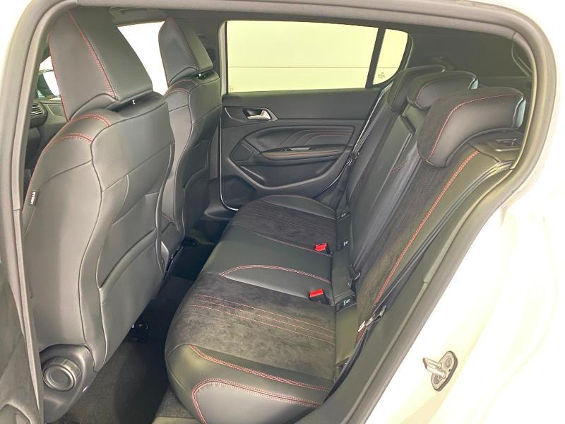 Photo 6 de l'offre de PEUGEOT 308 1.5 BLUEHDI 130 EAT 8 S&S GT PACK à 26890€ chez Duval Automobiles