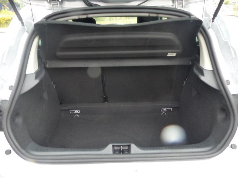 Photo 15 de l'offre de RENAULT Clio 0.9 TCe 90ch Génération - 19 5p 90 à 13490€ chez Duval Automobiles