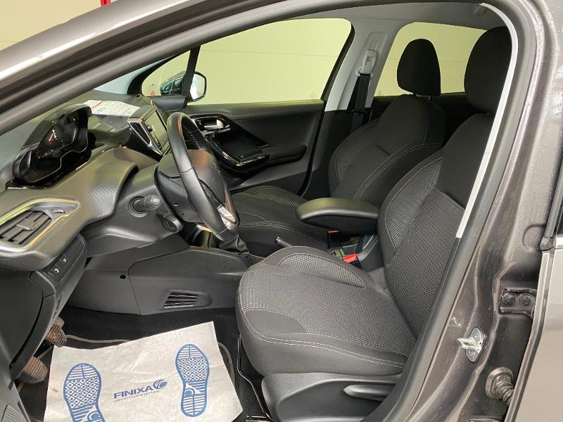 Photo 5 de l'offre de PEUGEOT 208 1.2 PureTech 82ch E6.c Allure 5p à 13390€ chez Duval Automobiles