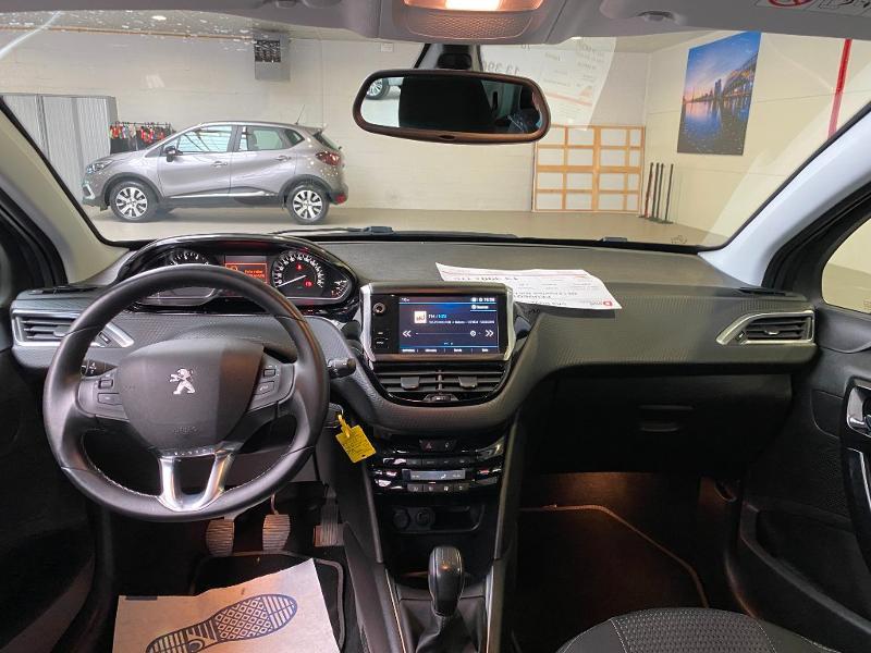 Photo 7 de l'offre de PEUGEOT 208 1.2 PureTech 82ch E6.c Allure 5p à 13390€ chez Duval Automobiles