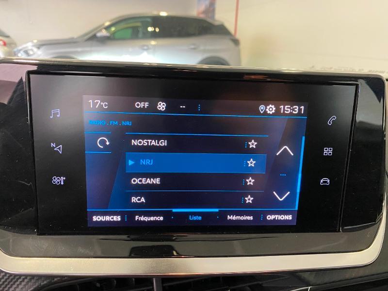 Photo 12 de l'offre de PEUGEOT 2008 1.2 PureTech 100ch S&S Active 5cv à 19990€ chez Duval Automobiles