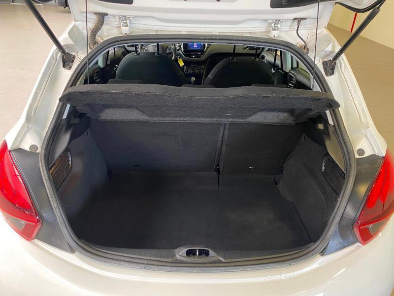 Photo 15 de l'offre de PEUGEOT 208 1.6 BlueHDi 75ch Active Business S&S 5p à 10490€ chez Duval Automobiles