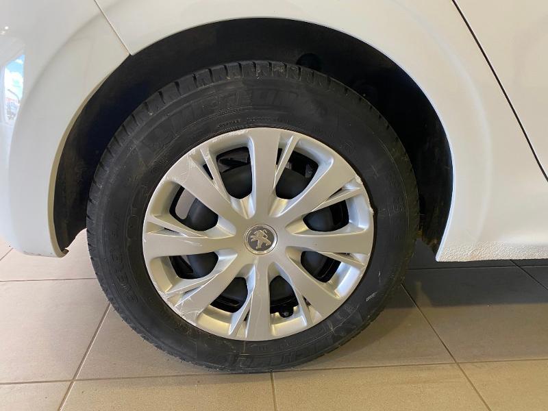 Photo 16 de l'offre de PEUGEOT 208 1.6 BlueHDi 75ch Active Business S&S 5p à 10490€ chez Duval Automobiles
