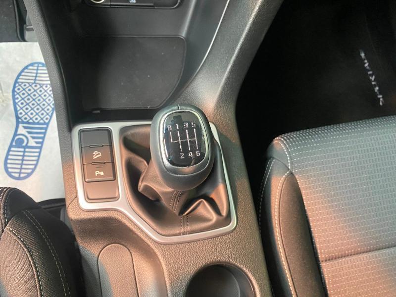Photo 17 de l'offre de KIA Sportage 1.6 CRDi 136ch MHEV Black Edition 4x2 à 27490€ chez Duval Automobiles