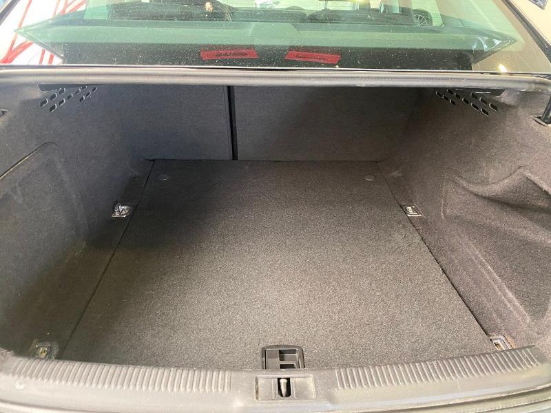 Photo 14 de l'offre de AUDI A4 2.0 TDI 120ch DPF Ambiente 6cv à 11990€ chez Duval Automobiles