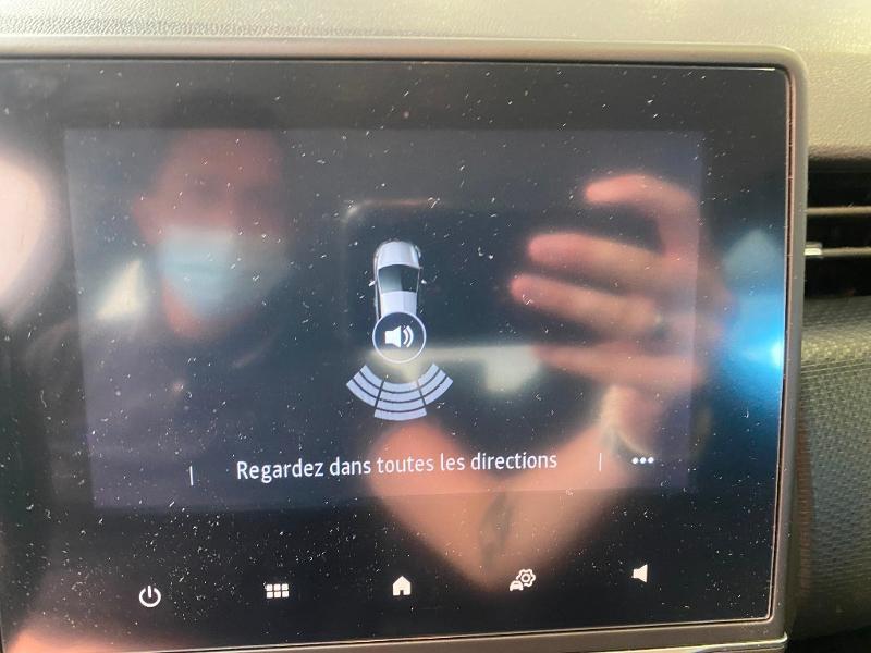 Photo 10 de l'offre de RENAULT Clio 1.5 Blue dCi 85ch Business à 14990€ chez Duval Automobiles