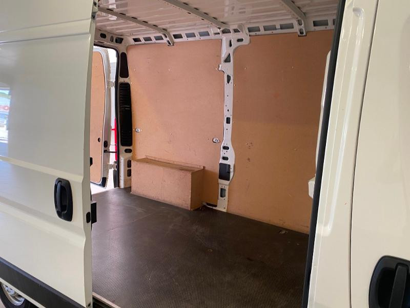 Photo 12 de l'offre de PEUGEOT Boxer Fg 333 L2H2 2.0 BlueHDi 130 S&S Premium Pack à 20990€ chez Duval Automobiles