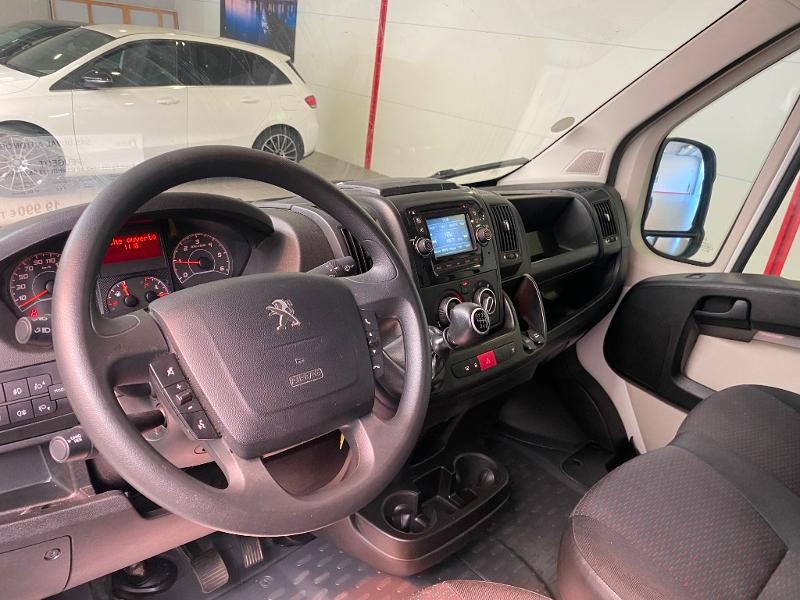 Photo 6 de l'offre de PEUGEOT Boxer Fg 333 L2H2 2.0 BlueHDi 130 S&S Premium Pack à 20990€ chez Duval Automobiles