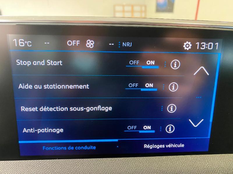 Photo 19 de l'offre de PEUGEOT 3008 1.5 BlueHDi 130ch S&S Allure EAT8 + toit ouvrant à 32990€ chez Duval Automobiles