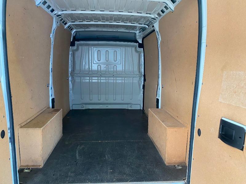 Photo 10 de l'offre de PEUGEOT Boxer Fg 333 L2H2 2.0 BlueHDi 130 S&S Premium Pack à 20990€ chez Duval Automobiles