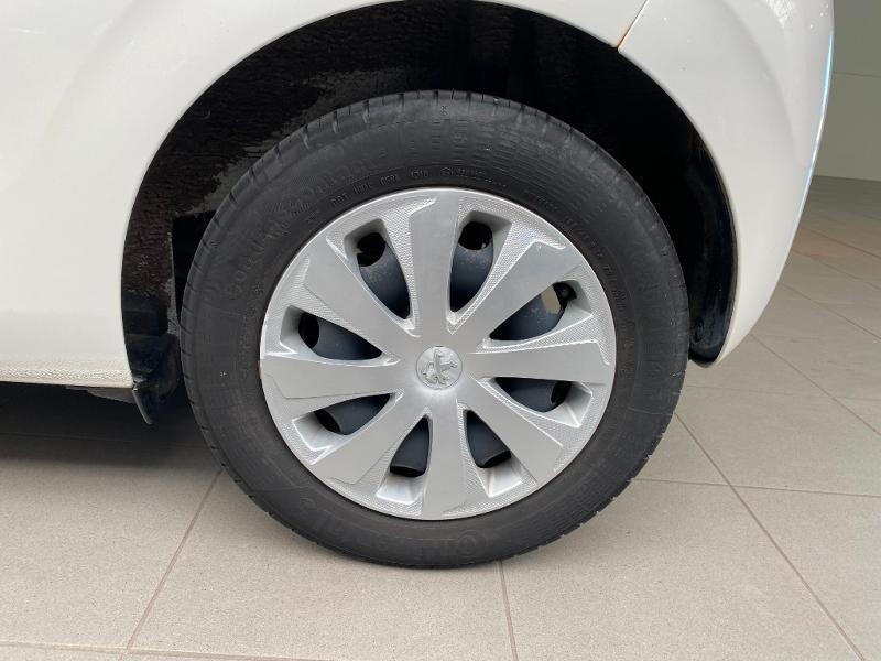 Photo 14 de l'offre de PEUGEOT 108 1.0 VTi Active 3p à 8990€ chez Duval Automobiles