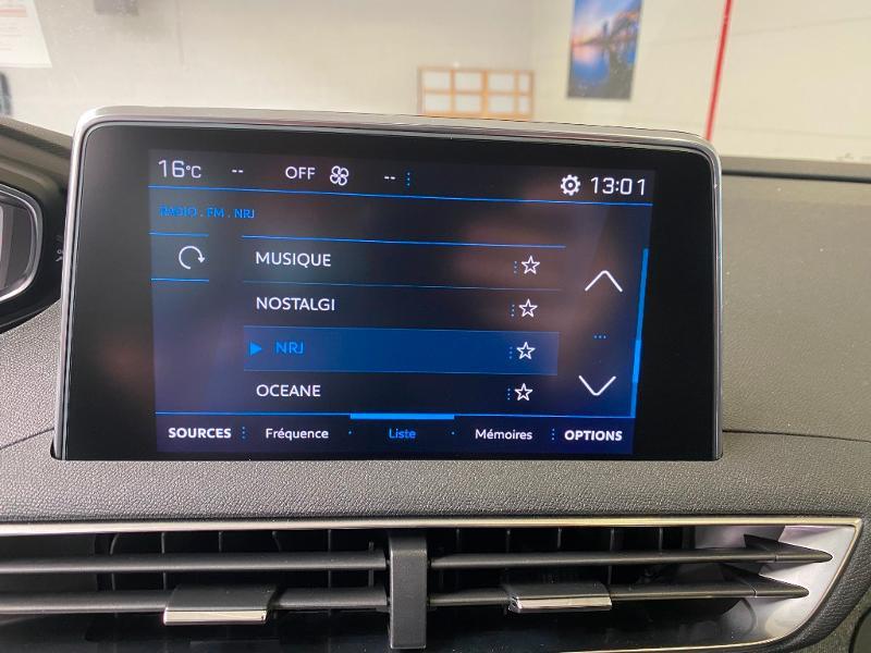 Photo 18 de l'offre de PEUGEOT 3008 1.5 BlueHDi 130ch S&S Allure EAT8 + toit ouvrant à 32990€ chez Duval Automobiles