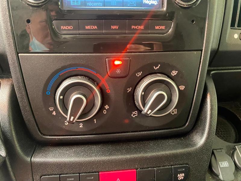 Photo 15 de l'offre de PEUGEOT Boxer Fg 333 L2H2 2.0 BlueHDi 130 S&S Premium Pack à 19990€ chez Duval Automobiles