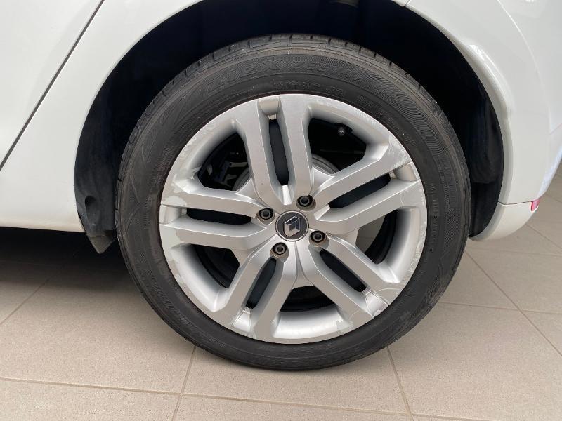 Photo 16 de l'offre de RENAULT Clio 1.5 dCi 90ch energy Business 82g 5p à 10990€ chez Duval Automobiles