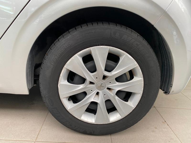 Photo 14 de l'offre de PEUGEOT 208 Affaire 1.6 BlueHDi 75ch Premium à 8490€ chez Duval Automobiles