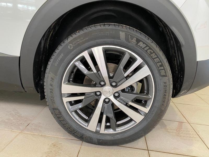 Photo 22 de l'offre de PEUGEOT 3008 1.5 BlueHDi 130ch S&S Allure EAT8 à 32990€ chez Duval Automobiles
