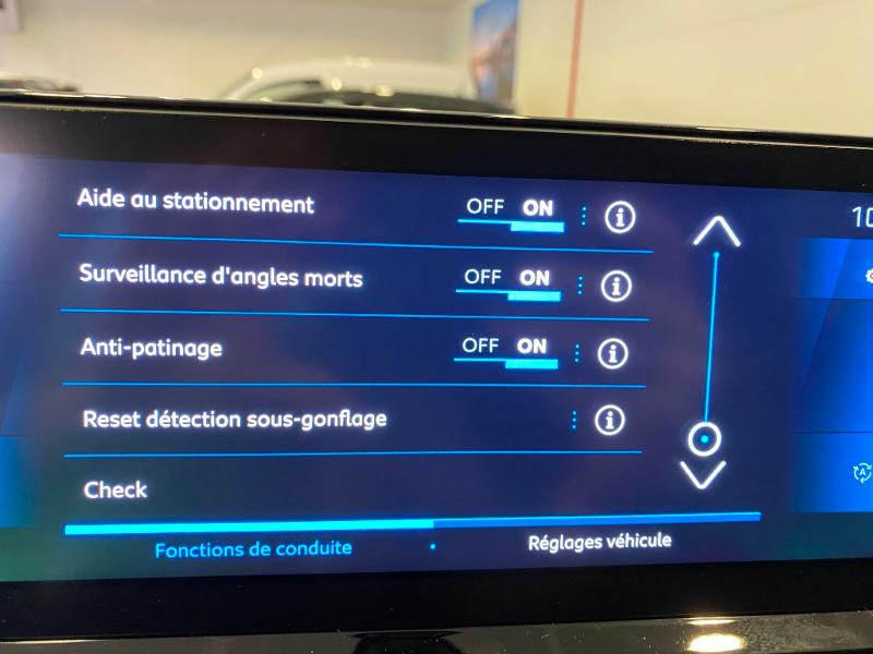 Photo 12 de l'offre de PEUGEOT 3008 1.5 BlueHDi 130ch S&S Allure EAT8 à 32990€ chez Duval Automobiles