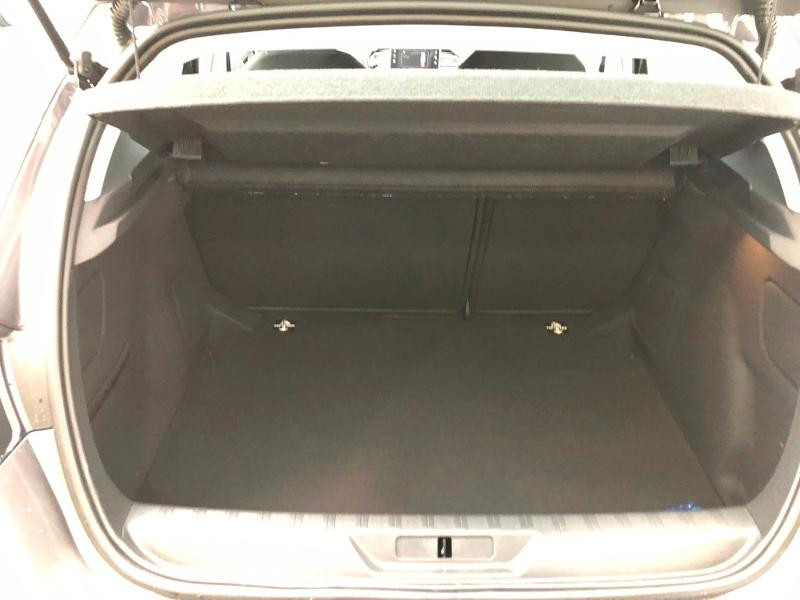 Photo 14 de l'offre de PEUGEOT 308 1.2 PureTech 110ch E6.c S&S Active Business 5cv à 16490€ chez Duval Automobiles