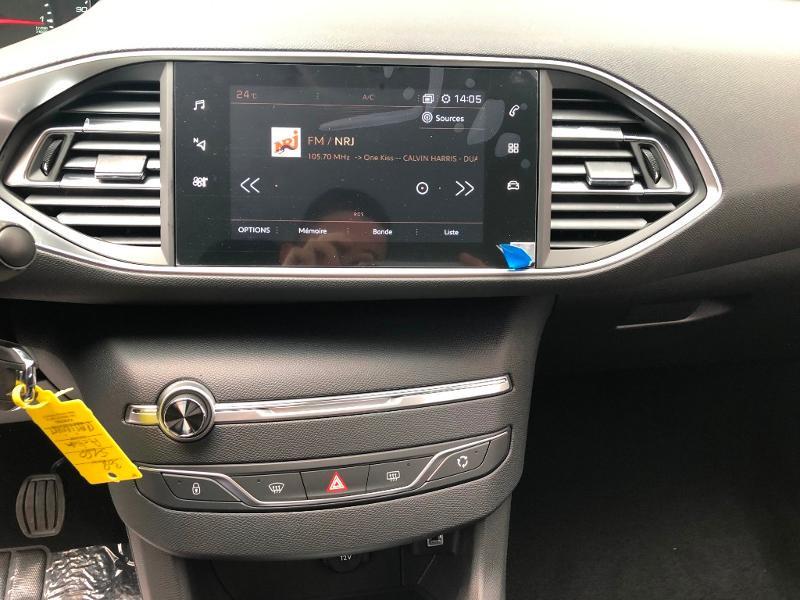 Photo 11 de l'offre de PEUGEOT 308 1.2 PureTech 110ch E6.c S&S Active Business 5cv à 16490€ chez Duval Automobiles