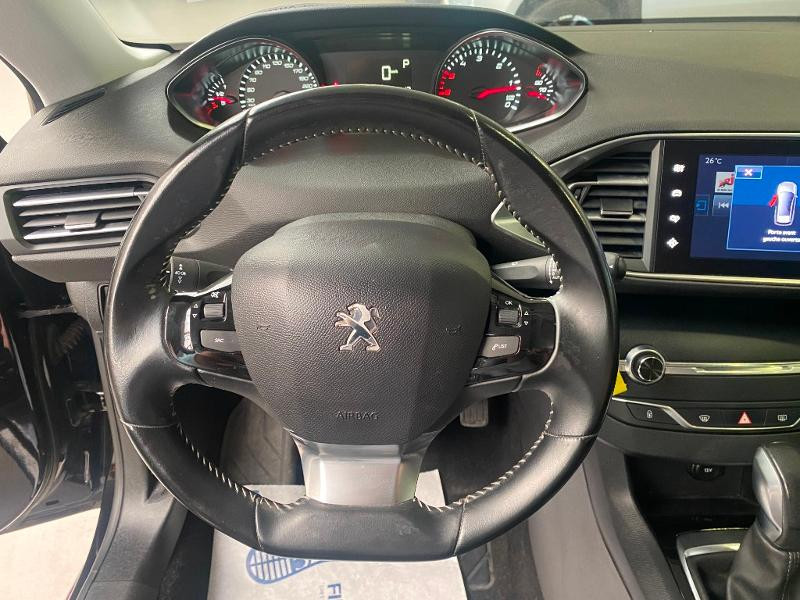 Photo 11 de l'offre de PEUGEOT 308 SW 1.6 BlueHDi 120ch Active Business S&S EAT6 à 14490€ chez Duval Automobiles