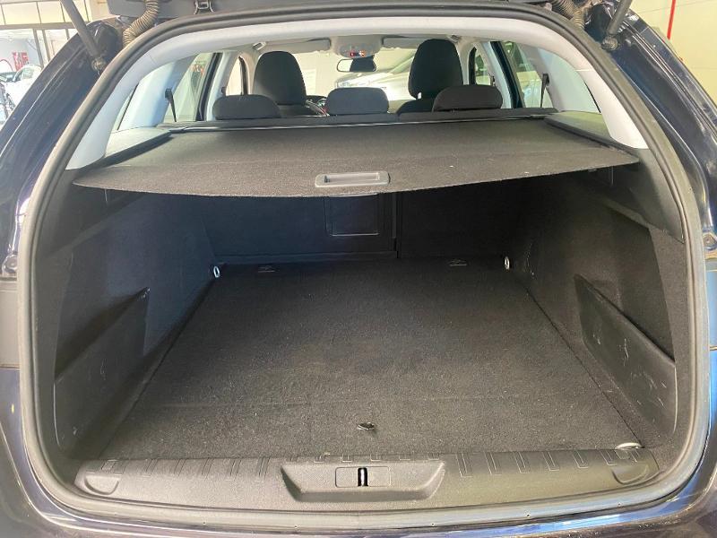 Photo 15 de l'offre de PEUGEOT 308 SW 1.6 BlueHDi 120ch Active Business S&S EAT6 à 14490€ chez Duval Automobiles