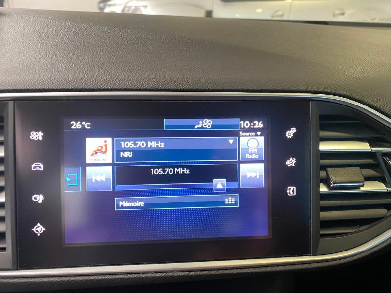 Photo 13 de l'offre de PEUGEOT 308 SW 1.6 BlueHDi 120ch Active Business S&S EAT6 à 14490€ chez Duval Automobiles