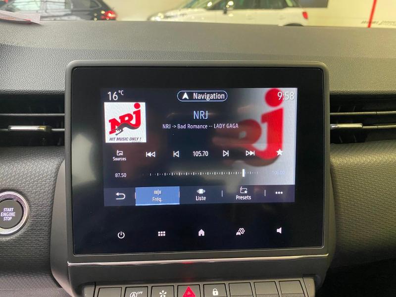 Photo 8 de l'offre de RENAULT Clio 1.0 TCe 90ch Intens -21 à 17790€ chez Duval Automobiles