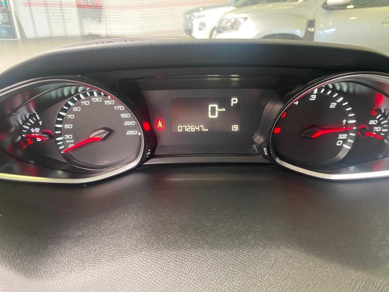 Photo 12 de l'offre de PEUGEOT 308 SW 1.6 BlueHDi 120ch Active Business S&S EAT6 à 14490€ chez Duval Automobiles