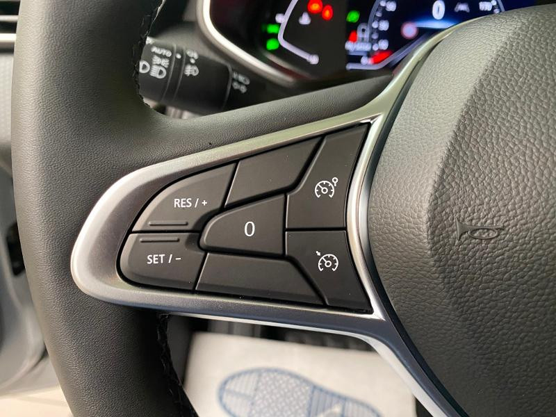 Photo 14 de l'offre de RENAULT Clio 1.0 TCe 90ch Intens -21 à 17790€ chez Duval Automobiles