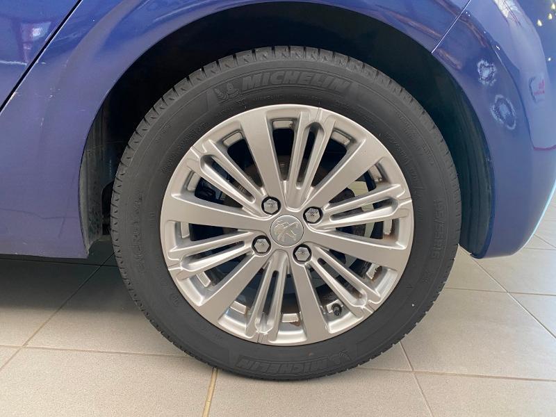 Photo 18 de l'offre de PEUGEOT 208 1.2 PureTech 110ch Allure S&S EAT6 5cv 5p à 13790€ chez Duval Automobiles