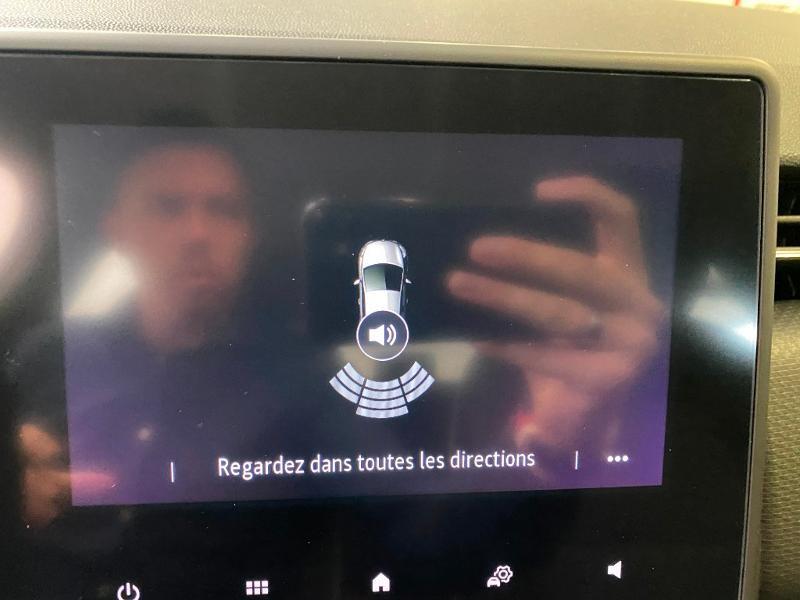 Photo 10 de l'offre de RENAULT Clio 1.0 TCe 90ch Intens -21 à 17790€ chez Duval Automobiles