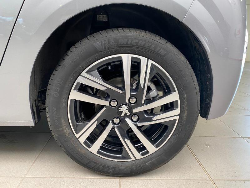 Photo 18 de l'offre de PEUGEOT 208 1.5 BlueHDi 100ch S&S Allure Pack à 21990€ chez Duval Automobiles