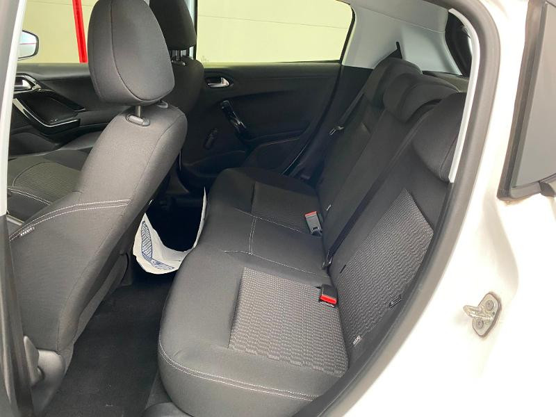 Photo 6 de l'offre de PEUGEOT 208 1.5 BlueHDi 100ch E6.c S&S Active à 12490€ chez Duval Automobiles