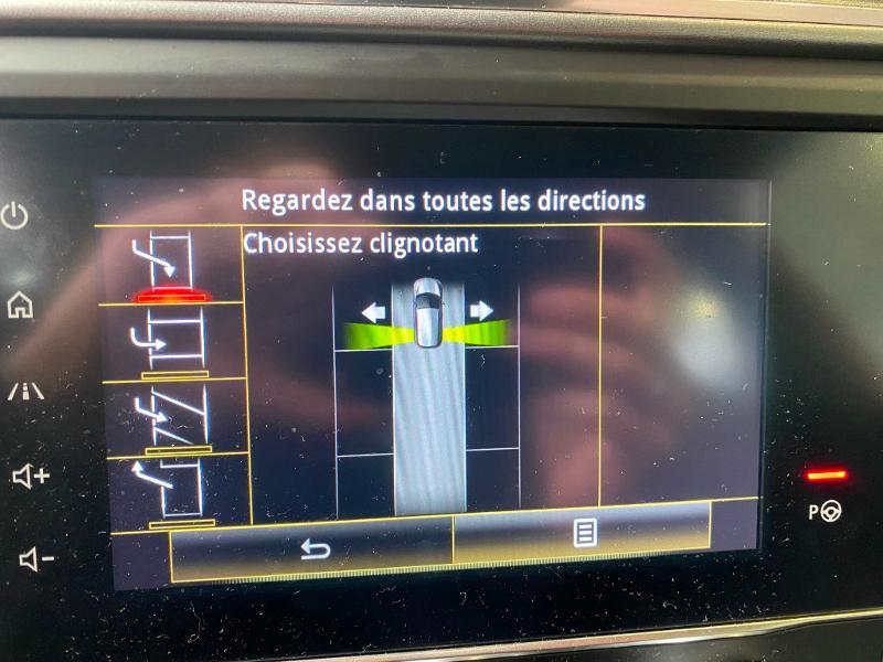 Photo 16 de l'offre de RENAULT Kadjar 1.3 TCe 160ch FAP Black Edition SL EDC à 22490€ chez Duval Automobiles