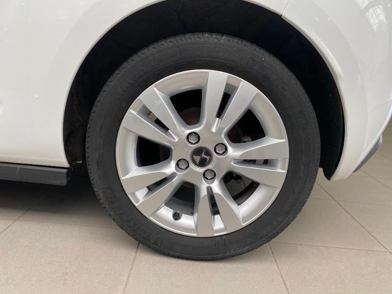 Photo 4 de l'offre de DS DS 3 BlueHDi 100ch So Chic S&S 2 PLACES SOCIETE à 9490€ chez Duval Automobiles