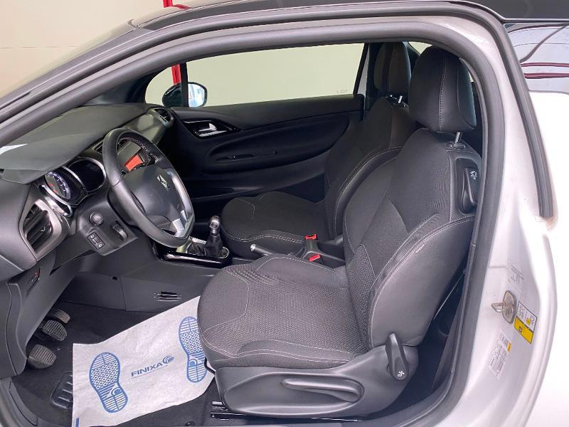 Photo 5 de l'offre de DS DS 3 BlueHDi 100ch So Chic S&S 2 PLACES SOCIETE à 9490€ chez Duval Automobiles
