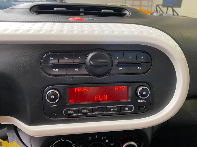 Photo 10 de l'offre de RENAULT Twingo 0.9 TCe 90ch energy Zen à 9990€ chez Duval Automobiles