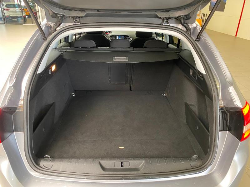 Photo 16 de l'offre de PEUGEOT 308 SW 1.2 PureTech 110ch E6.3 S&S Style 6cv à 20490€ chez Duval Automobiles