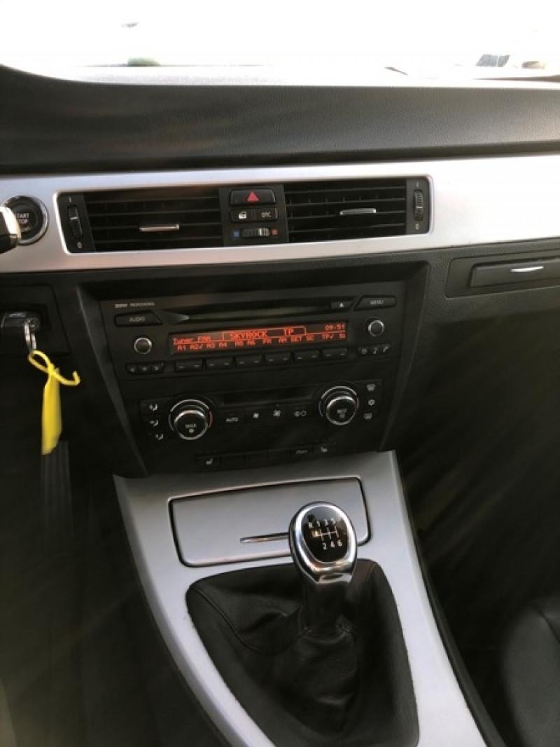 Photo 10 de l'offre de BMW SERIE 3 CABRIOLET (E93) 320D 177CH LUXE à 14790€ chez Vianor occasions