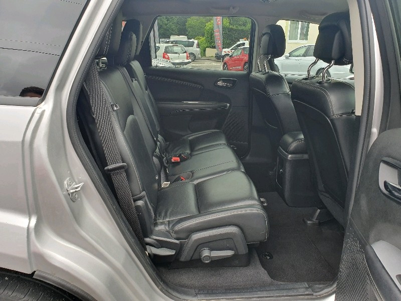 Photo 8 de l'offre de FIAT FREEMONT 2.0 MULTIJET 16V 140CH FREEMONT à 14990€ chez Vianor occasions