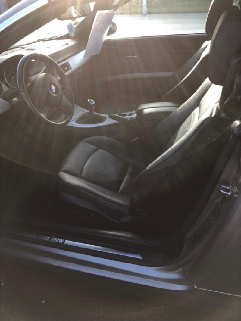 Photo 9 de l'offre de BMW SERIE 3 CABRIOLET (E93) 320D 177CH LUXE à 14790€ chez Vianor occasions